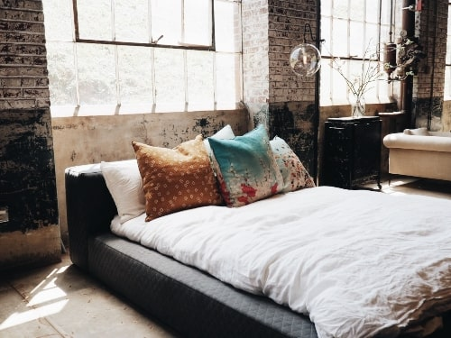 How to Decorate Your Home with Industrial Style