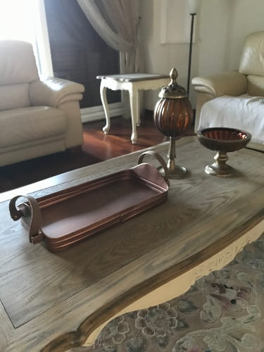How to Accessorize Coffee Table